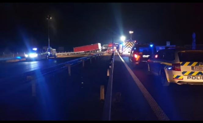 Kamiondžija iz BiH napravio haos na autoputu u Sloveniji: Putnike iz autobusa vadili vatrogasci